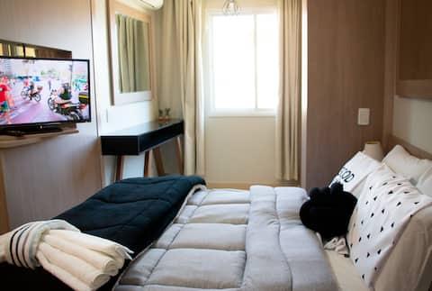 Comfy & Modern Apartment, Prime Location