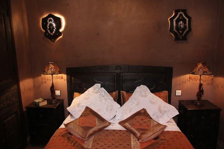 Chambre double Wifi Accès piscine Riad Dar Zinnia - Marrakech