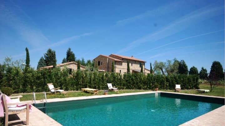Villa Campriano - Villa + Annex