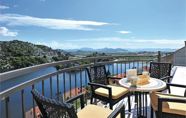 Holiday apartment with 3 bedrooms on 110 m² CDR117
