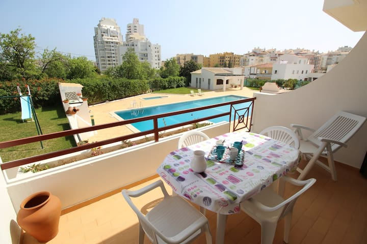 Apartment with pool and terrace - Algarve