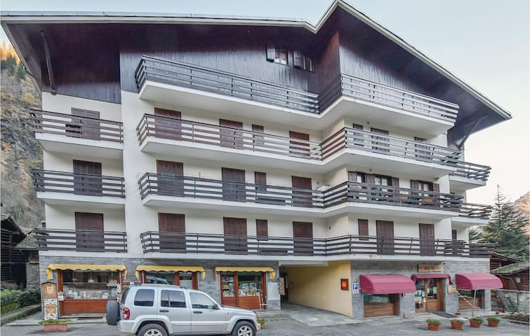 Holiday apartment with 2 bedrooms on 75m² in Alagna Valsesia (VC)