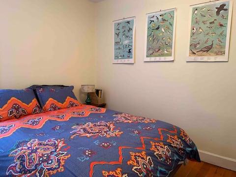 Cozy Room in Sunny Bungalow