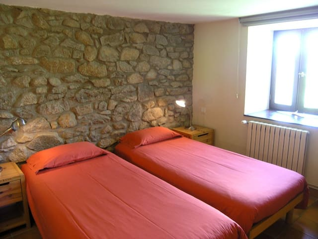 """""""Coma/Pleta"""" - 2 rm family suite in eco-lodge"""
