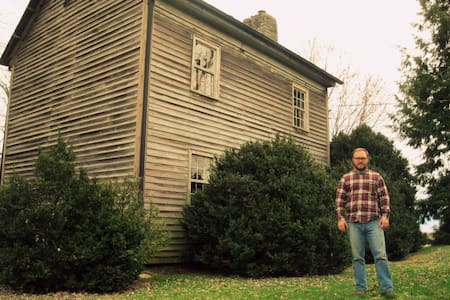 NorthRoom: HistoricFarmOnBooneLake - Piney Flats - Casa