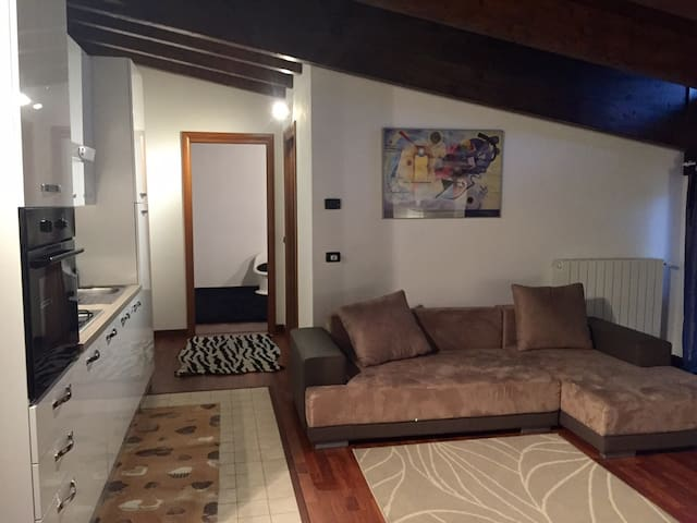 Appartamento mansardato - Lanzo D'intelvi - Appartement