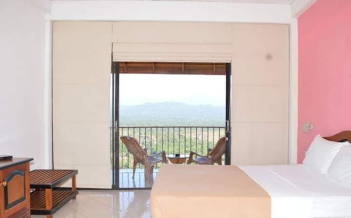 Kandy Panorama Room sleeps 1-4 B&B amazing view