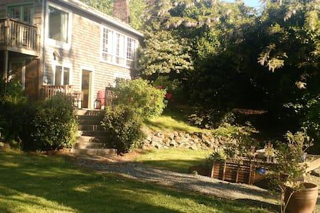 The Garden Room at Kendra's River Inn - Nehalem