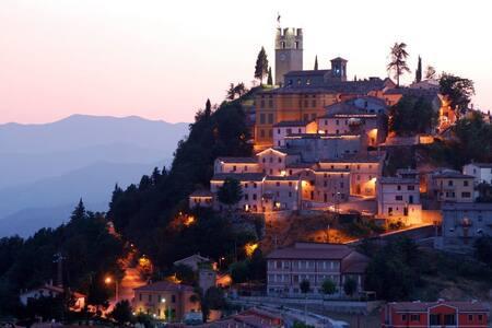 Appartamento in villetta  tra le colline urbinate