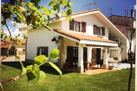 ASPALDIKO  casa familiar - Berbinzana