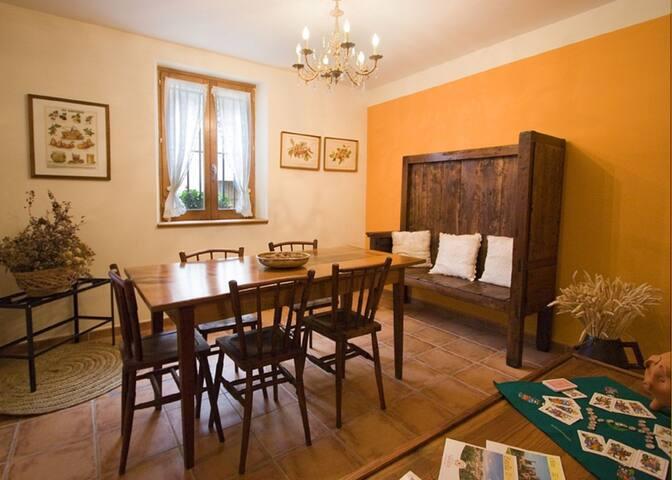 Casa Zelai en Echarri situada a 17 km de Pamplona - Echarri - Casa
