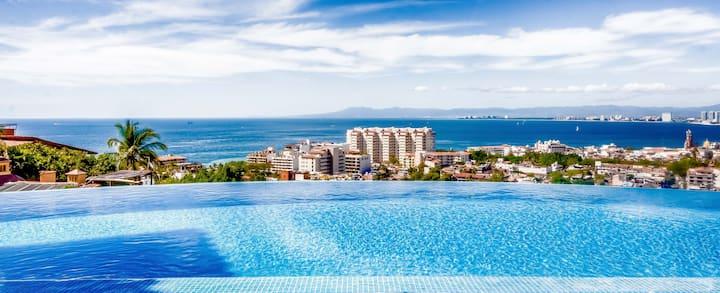 Stunning views , private pool, full staff