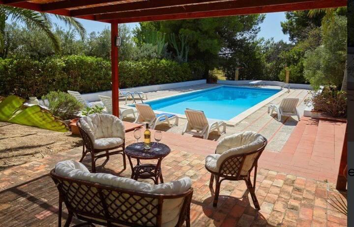 Villa con Piscina. Relax&Privacy