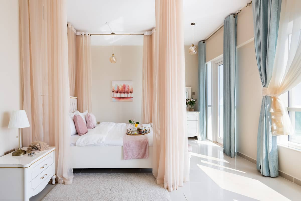 Savor Marina Views from a Pastel-Hued Nest on the 64th Floor
