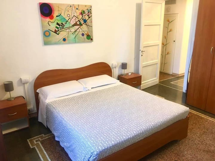 Stanza privata a Genova cod citra 010025-LT-0814
