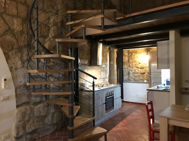 Loft Palazzo Urbani 2+2 in Orvieto historic center