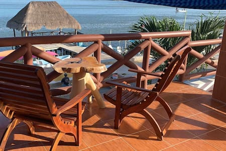 Habitacion Frida (Hotel el Faro, Rio Lagartos)