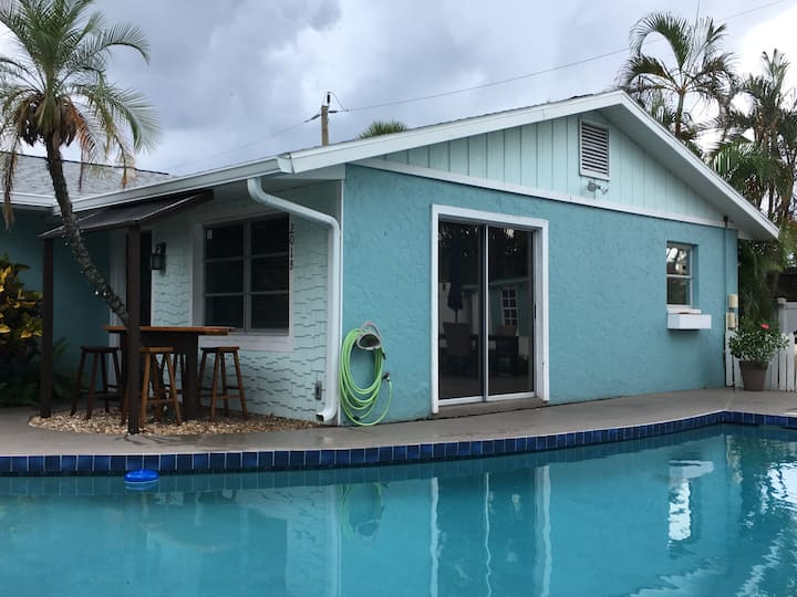 Anna Maria Island Duplex w/ private pool (side B)