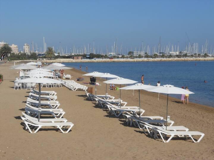 Atico junto a la Marina de Denia y la playa