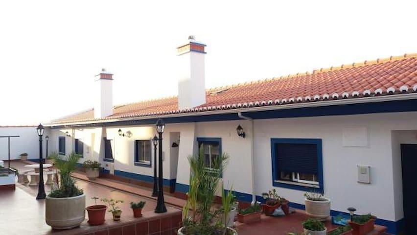 Casa da Várzea, Apartamento T2 no Centro de Vila