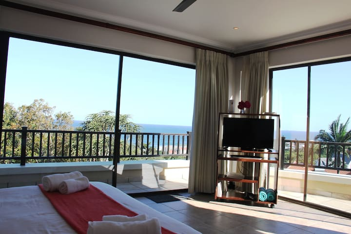 Private room with breathtaking views!
