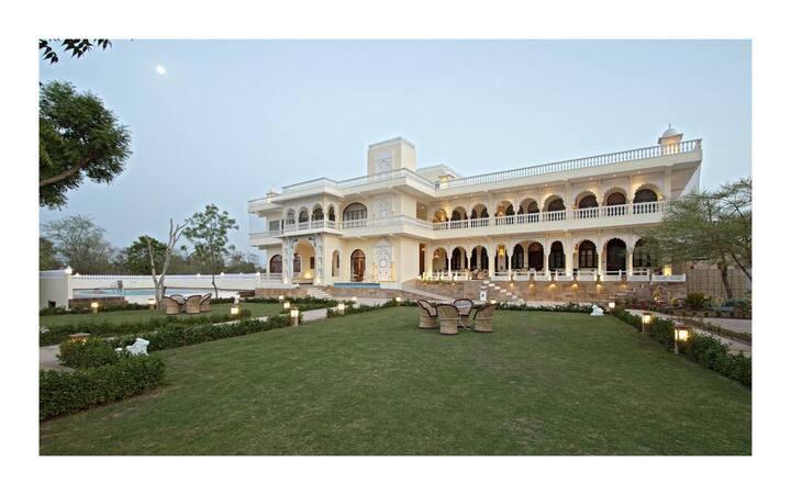Maharaja suite in heritage property Amer Jaipur