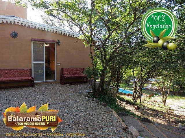 Balaramapuri Eco Veggie Hostel (Habitación Luna)