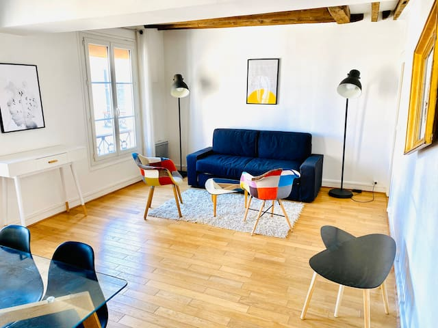 Cosy Duplex in Marais, with view