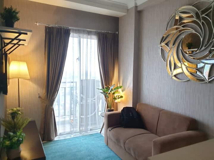 Homey & Strategic Apartment At South Jakarta City