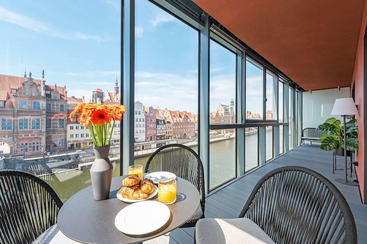 Riverview & Spa Apartment with Terrace