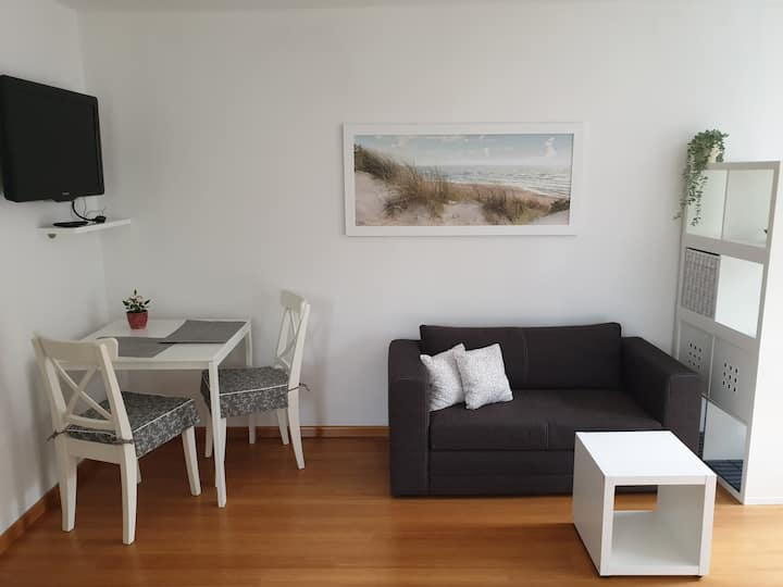 NEW and cosy studio with garden &FREE Parking-Wifi