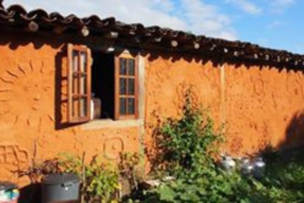Casa Mãe - janela da cozinha