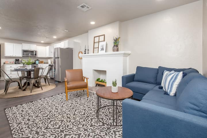 Boulevard Bungalow in the heart of OKC