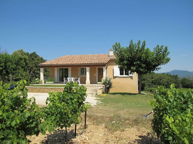 Holiday house for 6 persons in Valréas
