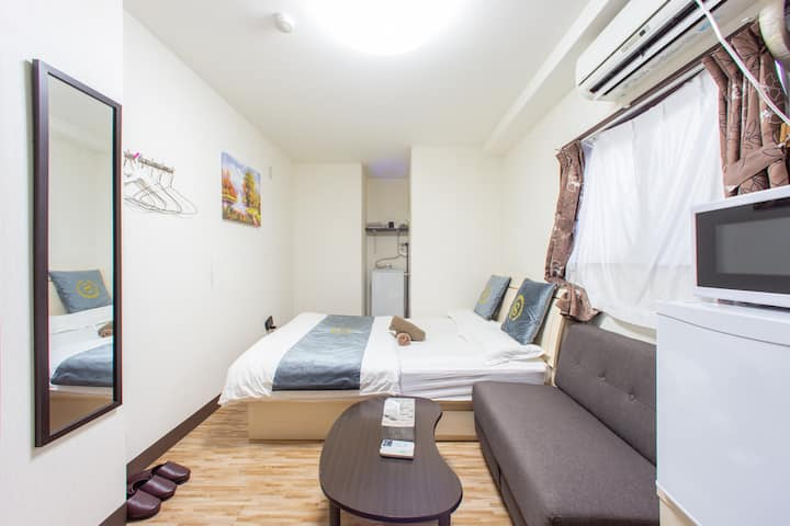 QY35 JR Train station 5-min walk, airport directly