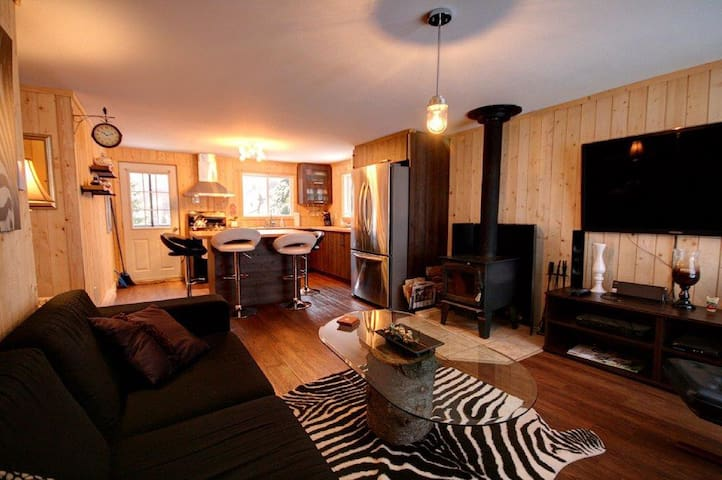 beautiful cottage fully renovated!! - Saint-Adolphe-d'Howard