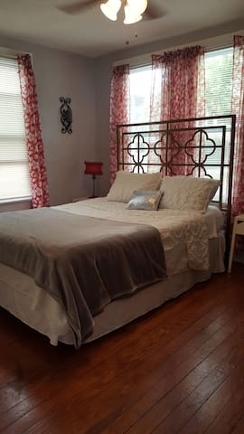 Grateful Cottage Guest Room