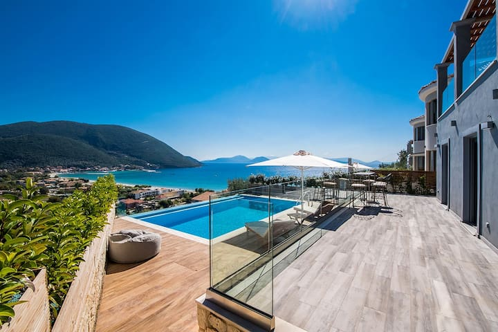 Modern Villa Ostria with Pool & View In Vasiliki