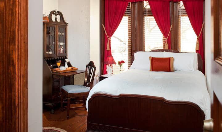 American Guest House - Room 201
