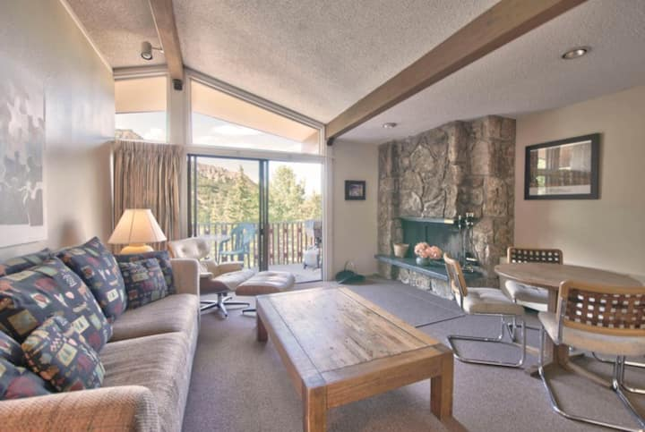 ★ Ski-In/Ski-Out ★  Lichenhearth ★ Condo