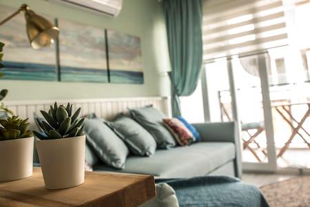 Studio apartment by the sea  In MARMARİS