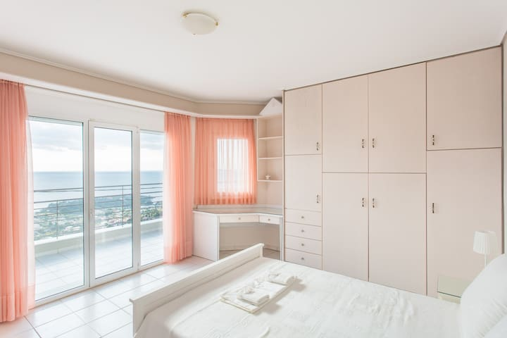 Villa Paradise Minutes Away From The Beach ! - Kalivia Thorikou - 別墅