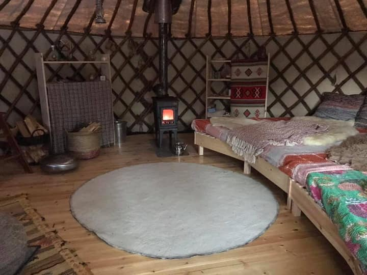 Peaceful Yurt close to a National park