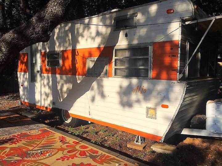 Charming Vintage Camper in Historic Granbury