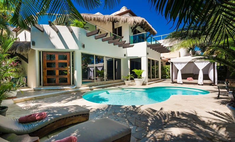 Casa Nikki - Luxurious Villa With Ocean Views