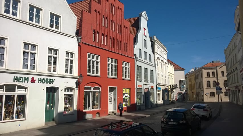 In the heart of the historic old town of Wismar - Wismar - Flat