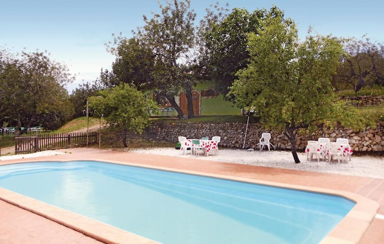 Holiday cottage with 6 bedrooms on 300m² in Ardenya