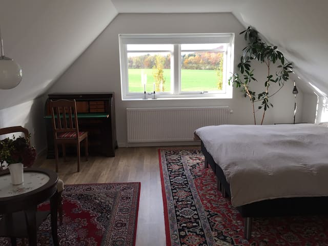 Tæt på Århus og Silkeborg - Låsby - Apartamento