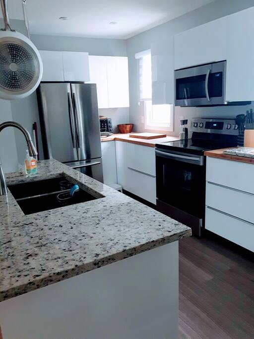 Granite island & bamboo counter tops
