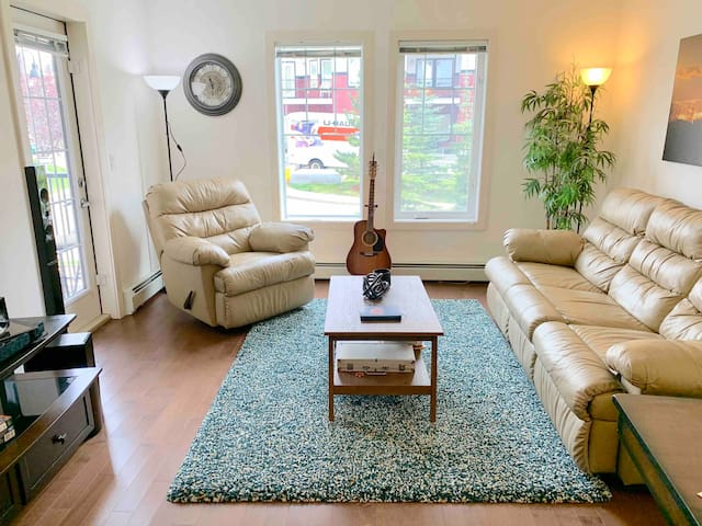Great and Convenient 1 Bd with Private bathroom
